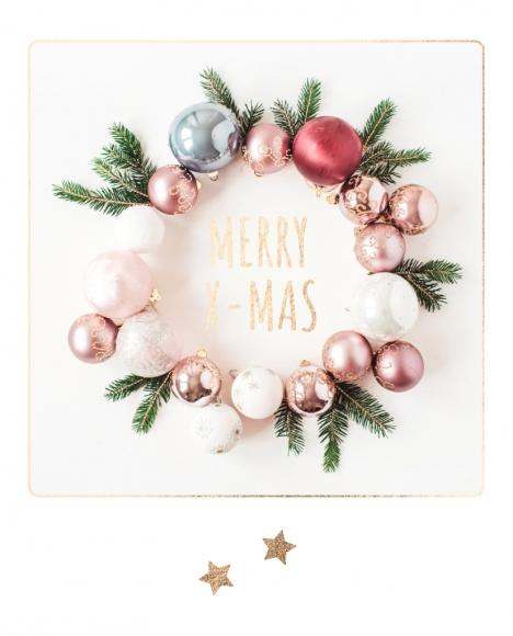 Postkarte: Kreis aus Weihnachtsbaumkugeln Merry X-Mas