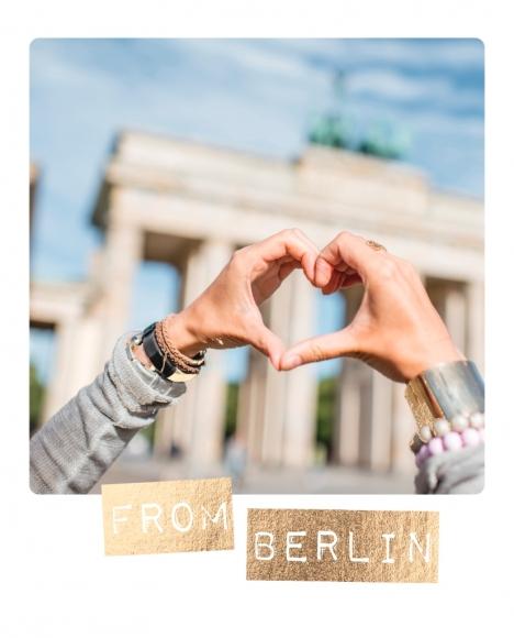 Postkarte: From Berlin - Händeherz